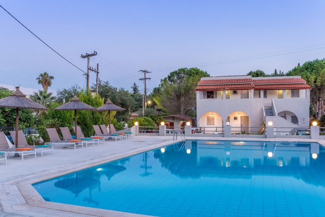 dominoes hotel apartments ipsos Dassia corfu